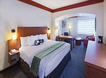 La Quinta Inn and Suites Dallas Love Field